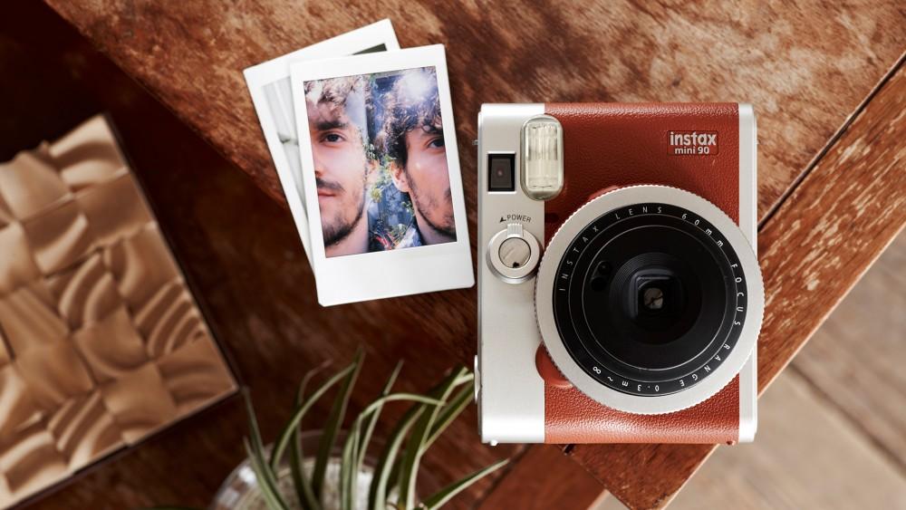 fujifilm-polaroid-instax-mini-90-brun