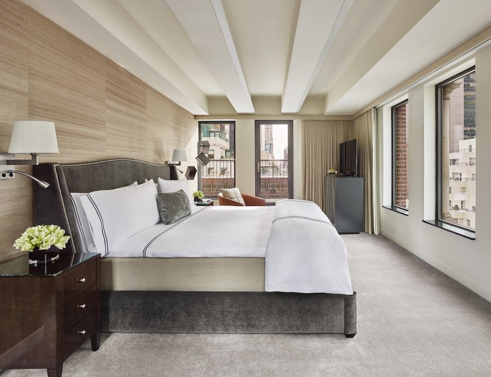 1700 PH Master Bedroom