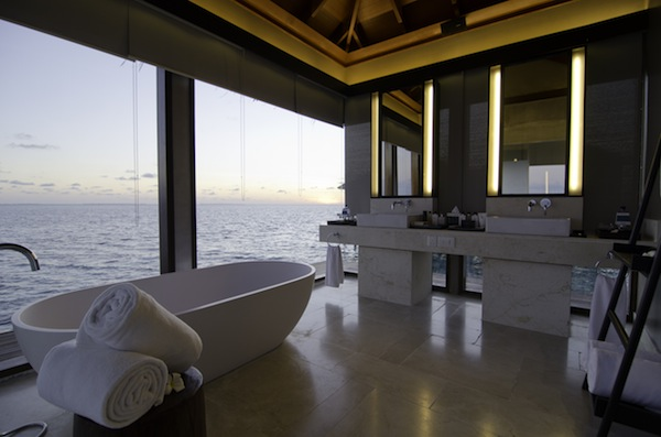 Jumeirah Dhevanafushi - Ocean Sanctuary Bathroom