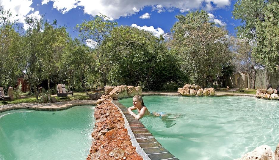 luxury-lodge-botswana-ChobeChilwero-02
