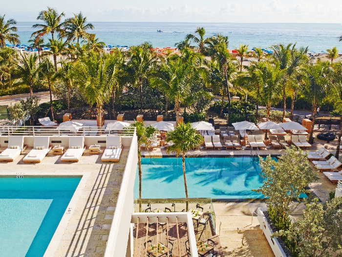 4a_The_James_Royal_Palm_Pool_Experience_16739_standard
