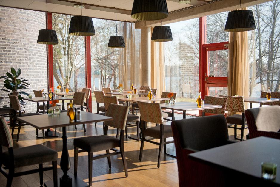 Blue Hotel restaurang2