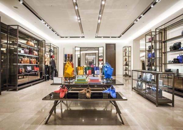 Burberry-Flagship-Store-Shanghai-600x424