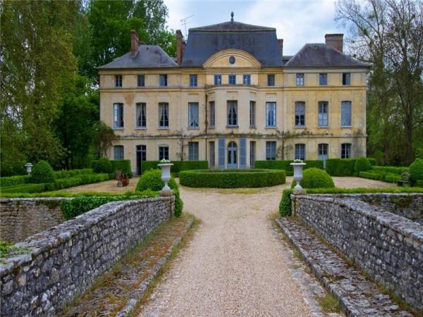 Chateau-de-Primard-600x450