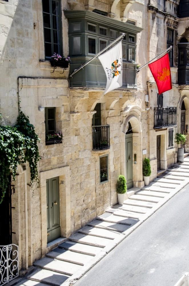 FACADE2_Palazzo Entrance