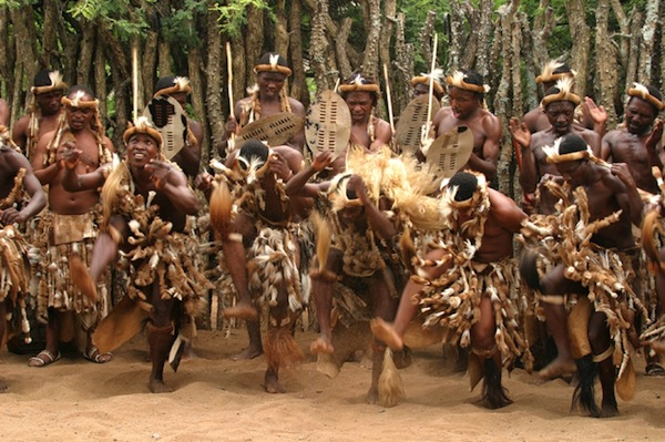 FC Safari - Thanda Zulu dancers kopia