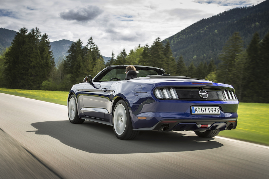 FordMustang_Convertible-Blue_06