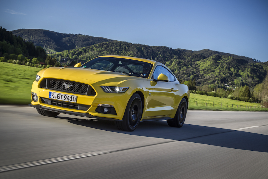 FordMustang_Fastback-Yellow_06