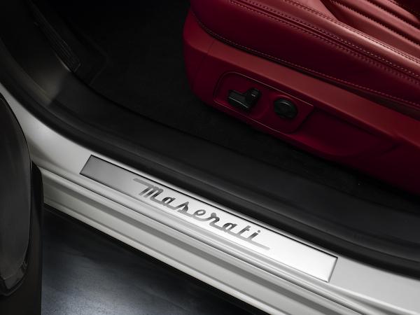 Maserati-Ghibli-dettaglio-battitacco