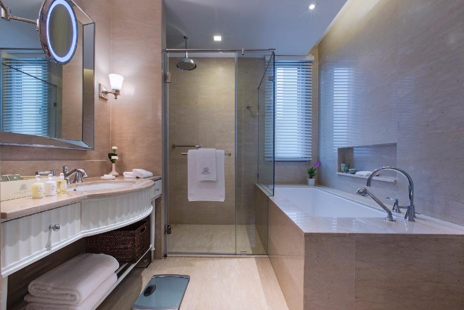 Oriental Residence Bangkok Grand Deluxe Bath