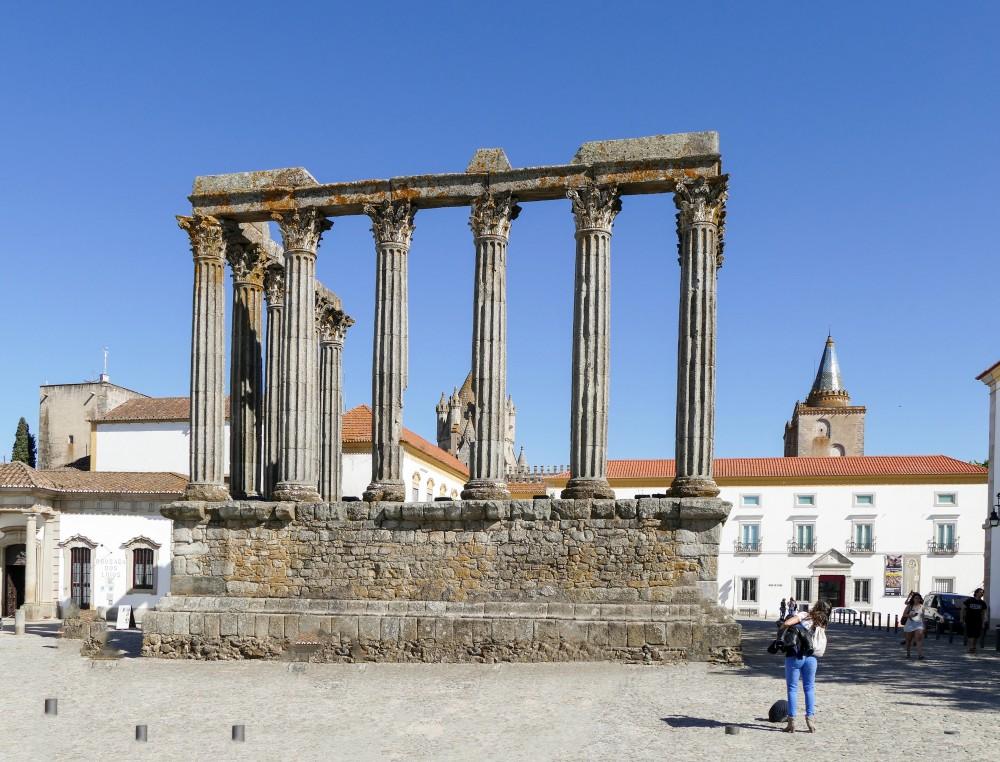 Portugal Alentejo - Diana temple (P1000460)