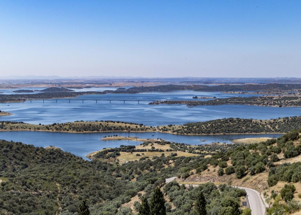 Portugal Alentejo - artificial lake (P1000413)