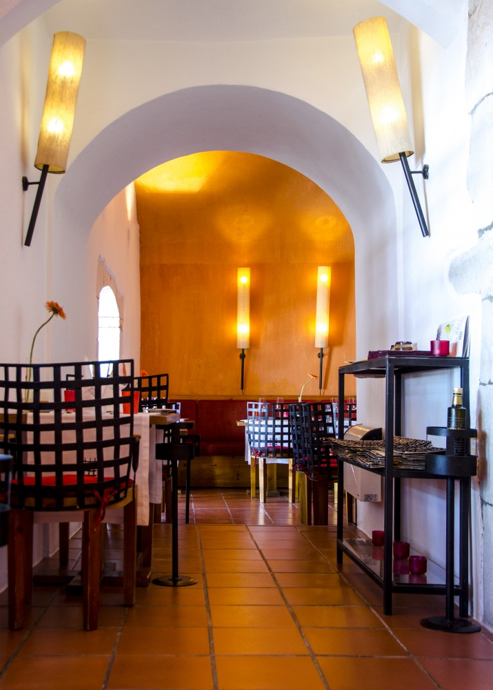 Portugal Alentejo - prison restaurant (16E0977)