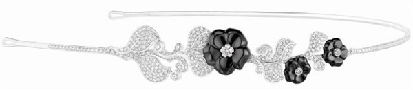 generous-curves-chanel-camelia-galbe-fine-jewelry-collection_4
