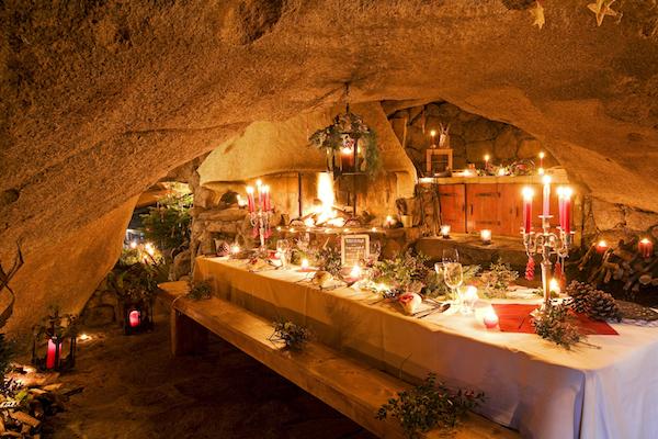 Décoration de Noël, restaurant de la Grotte, Domaine de Murtoli, Corse du Sud (2A), France
