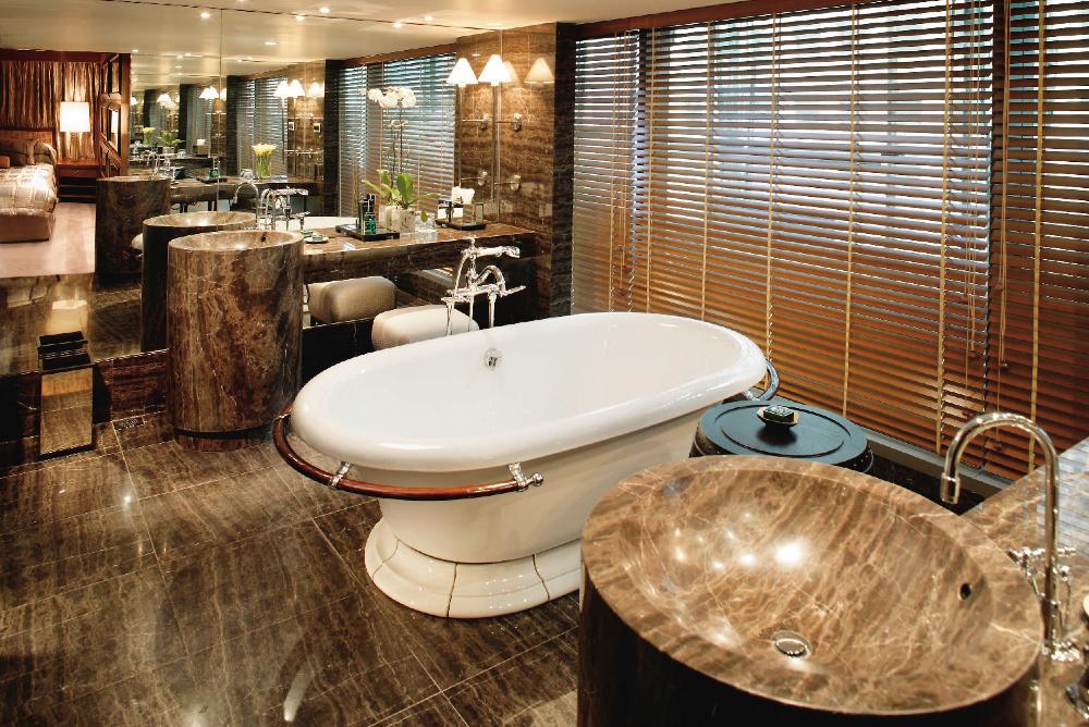 hong-kong-suite-oriental-suite-bathroom-01